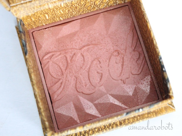 Benefit Rockateur closeup