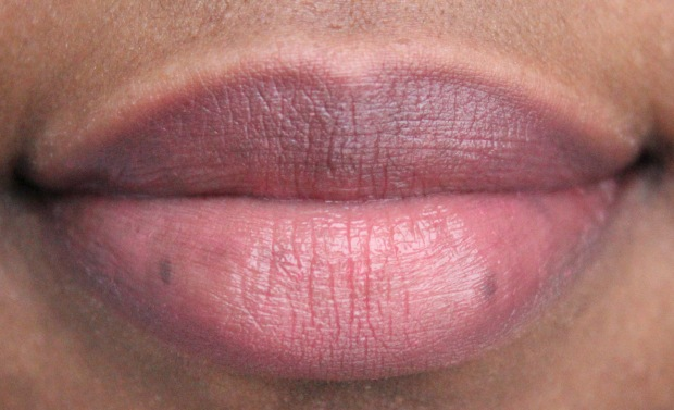 Mac Huggable 'Out For Passion' lip swatch