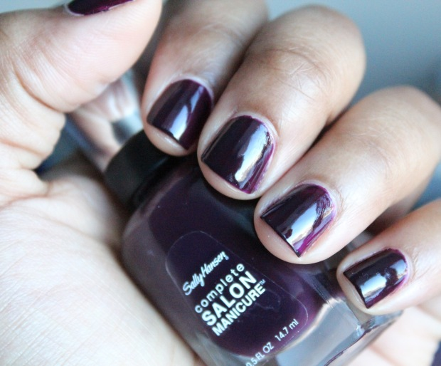 Sally Hansen CSM Pat on the Black swatch