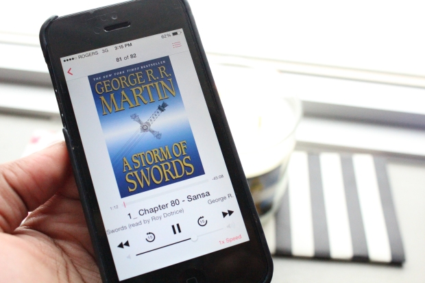 A Storm of Swords Audiobook on iPhone 5 read by Roy Dotrice