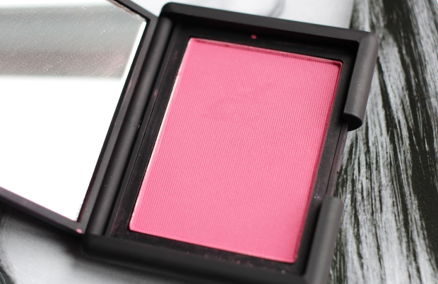 Nars 413 Blkr Blush pan